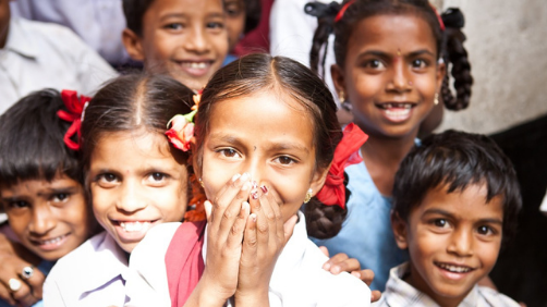 परिवारों में शिक्षा खर्च के मामलों में लड़कों को प्राथमिकता